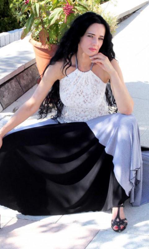 Kleid – weit schwingend , Neckholder OT weisse Spitze